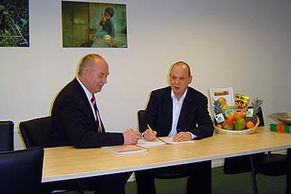 Left Mr Jan Roozen, RPO automation Ltd and Right Mr Wim Nienhuis, AgroFair Benelux Ltd