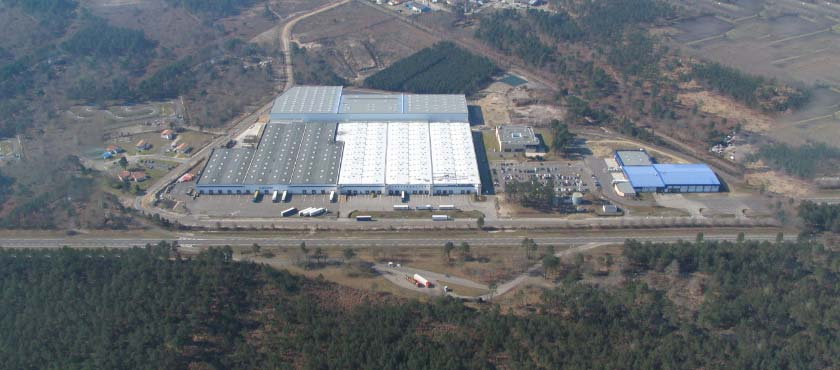 From its warehouse in Mont De Marsa, Scalandes supplies the stores in the South West of France and Portugal.